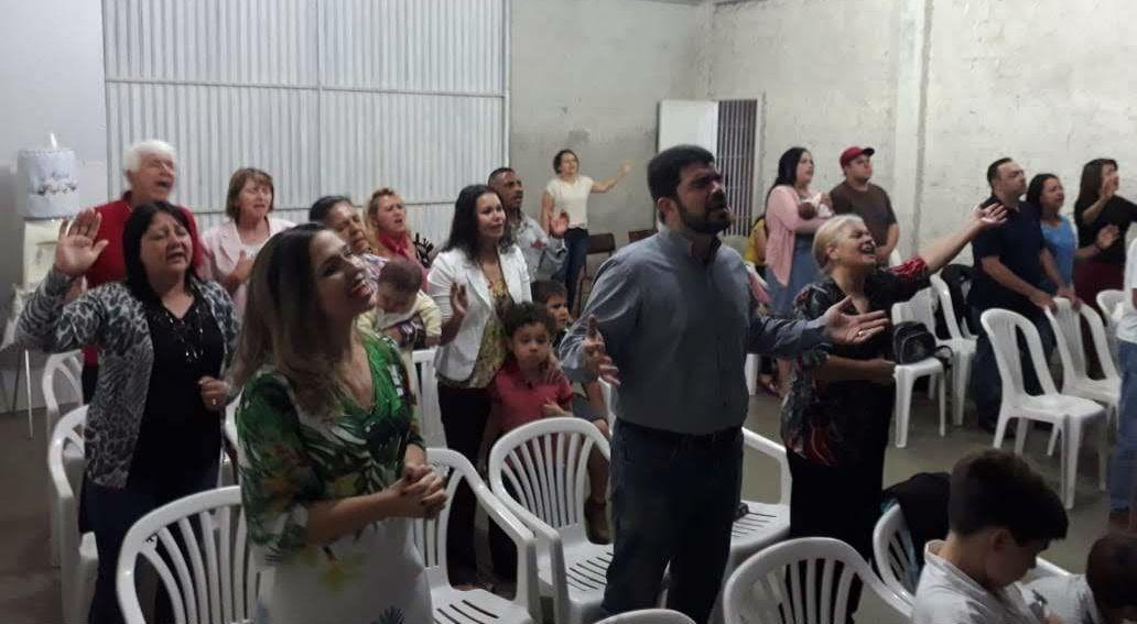 Pastor da MCE Brasília ministra na igreja de Campo Largo