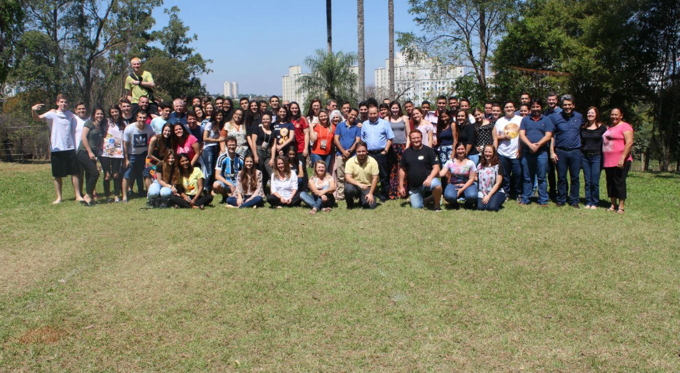Igrejas de Maringá realizam Encontro de Jovens | Missão Cristã Elim