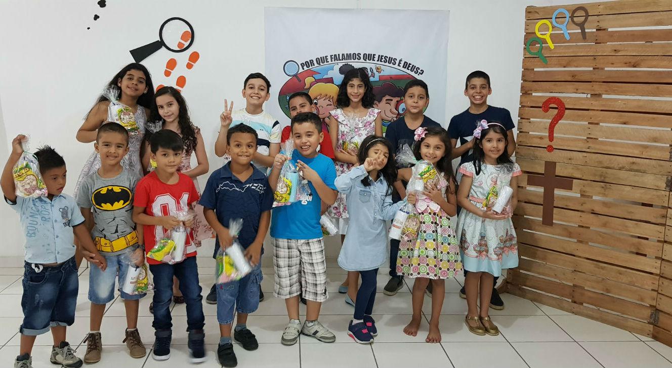 MCE Monte das Oliveiras celebra o Dia das Crianças | Missão Cristã Elim
