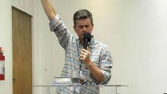 Pastor Galaor Júnior prega na MCE São Paulo