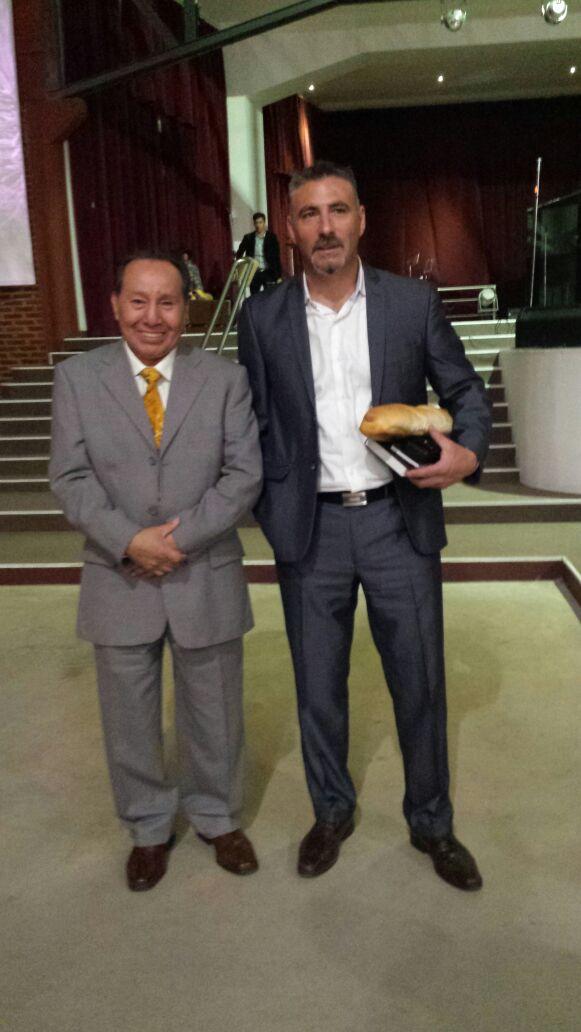 Pr. Martin Jesus Blas com Pr. Marcos Garcia, da igreja do Movimiento Cristiano y Misionero, de Lanuz, na grande Buenos Aires