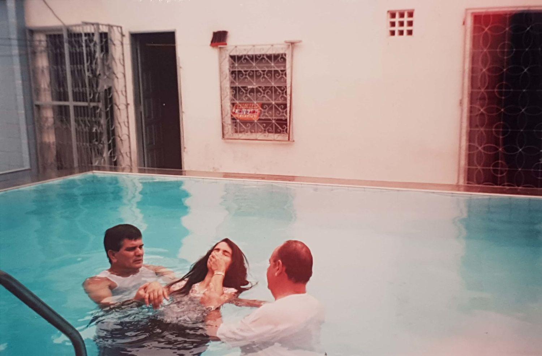 A igreja cresce e em 2001 vemos o registro de mais um batismo, no qual, dentre outros irmãos, o casal Wilson e Rozete se achegam ao rebanho.