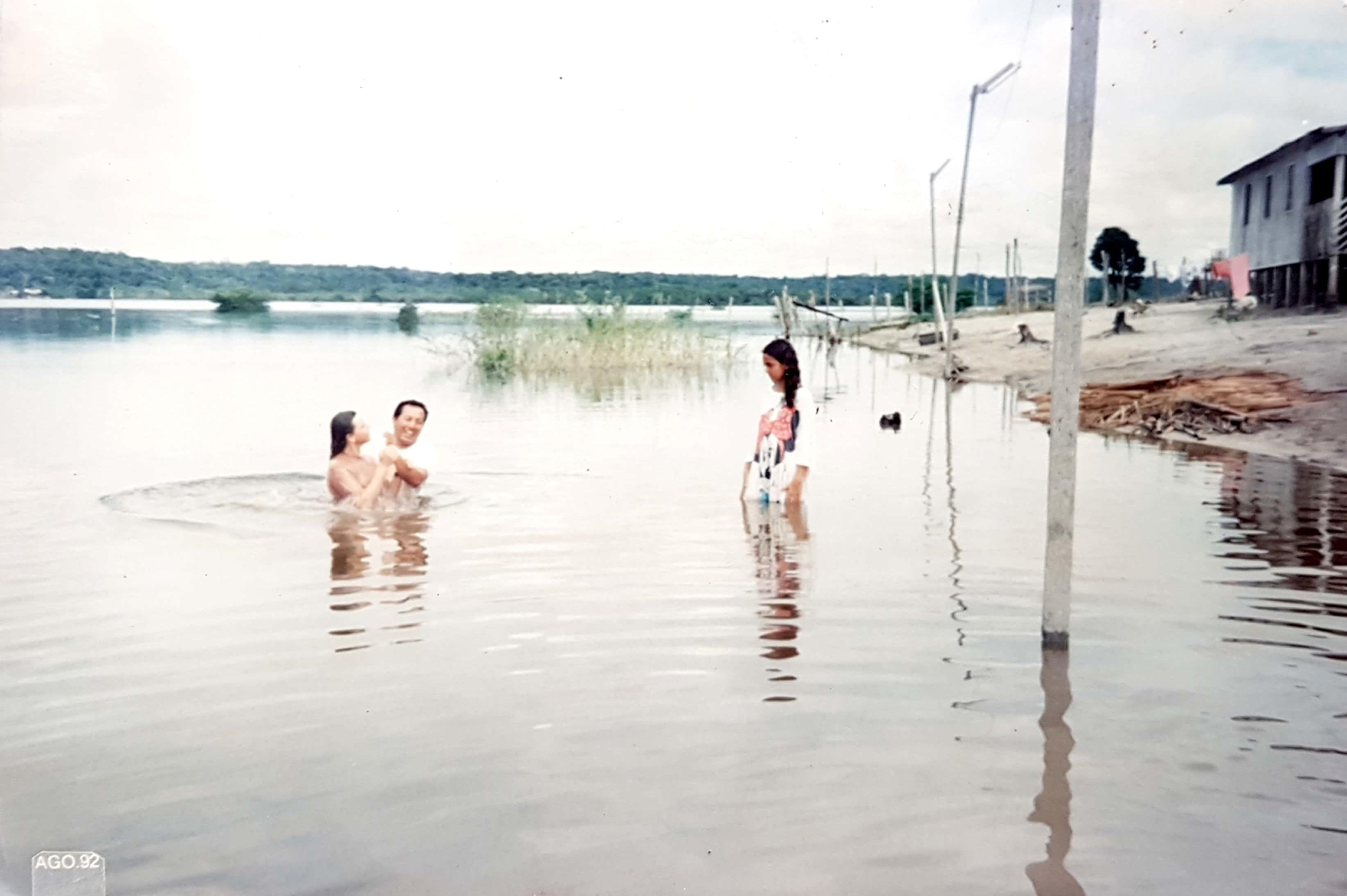 Em 02/06/1991 é realizado o primeiro batismo na MCE em Manaus, com quatro vidas confessando a Jesus como seu Salvador, dentre elas o casal Afonso e Gracinete.