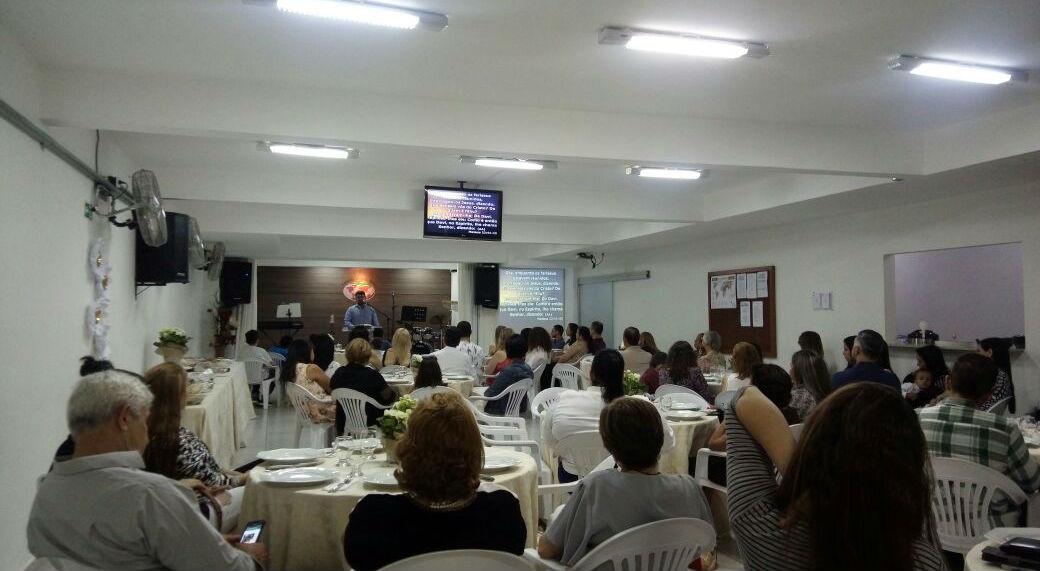 MCE Brasília celebra a virada de ano reunida | Missão Cristã Elim