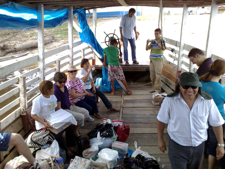 Igreja de Manaus em viagem de barco às igrejas do interior do Amazonas, em 2009