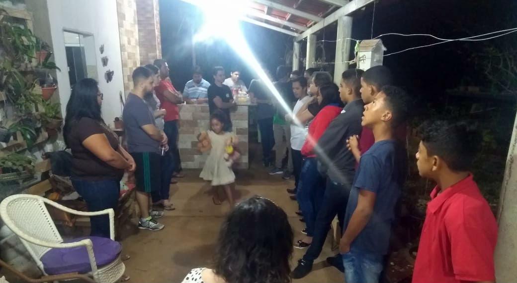 Jovens da MCE de Goiânia testemunham renovação espiritual | Missão Cristã Elim